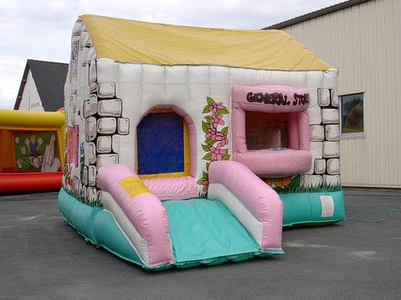 château gonflable maisonnette